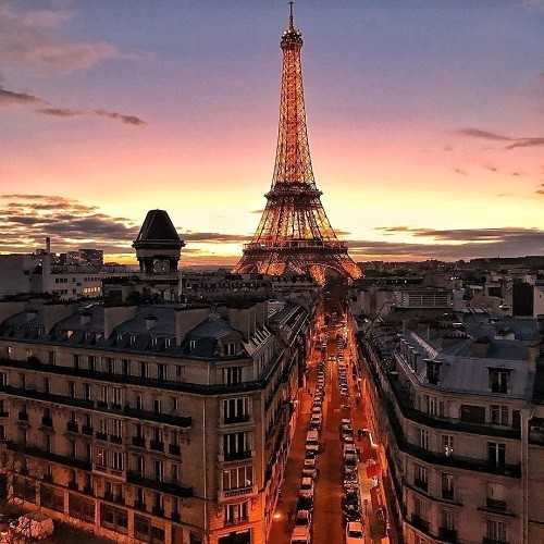 10  Luxurious Hotels in Paris, France